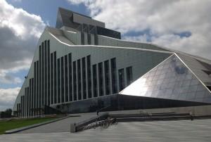 """""""Valon linna"""" eli Latvian kansalliskirjasto. Kuva: Arto Ikonen"""
