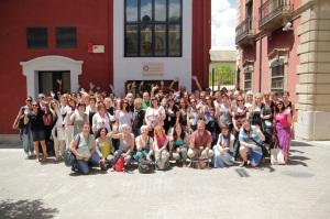 Erasmus Staff Training Week -osallistujia Complejo Administrativo Triunfon edessä. (Kuva: Jesús Esquiner)