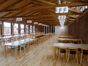 Lozzin ruokasali on Alvar Aallon arkkitehtitoimiston kokonaistaideteos ja yksi yliopiston tärkeimmistä interiööreistä. Kuva: Jyväskylän yliopiston tiedemuseo